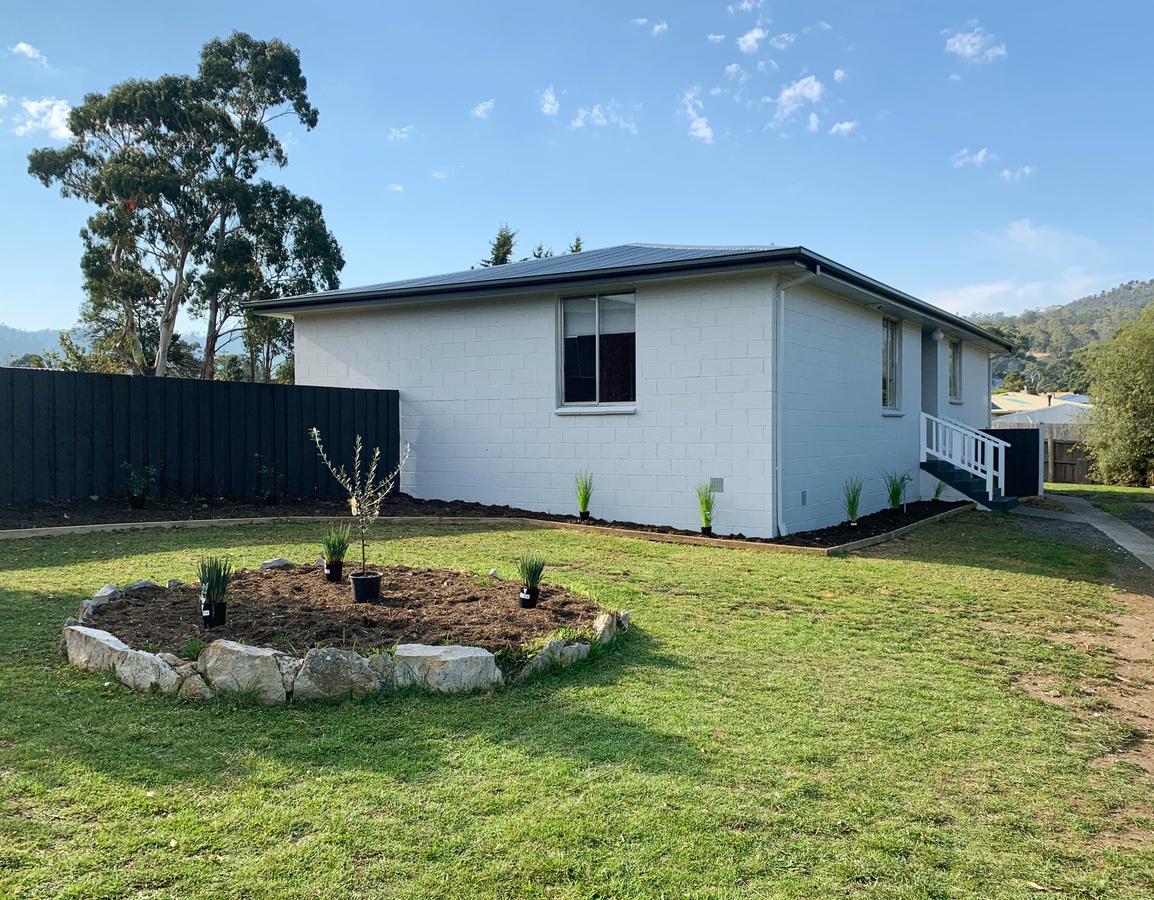 7 Wendy Avenue Clarendon Vale 7019 Australia